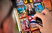 Bald wieder ein Ding der Vergangenheit? Magnet mit einem Bild von US-Präsident Barack Obama in einem Souvenirladen in Havanna. Bild: Ramona Espinosa/AP (16. März 2016)