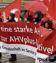 Die Rentenpolitik ist für die Linke ein Kernthema. (Bild: Georgios Kefalas/Keystone (Basel, 1. Mai 2016))