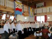 Der Männerchor Sarnen begrüsste die Gäste im Hotel Metzgern mit einem Liederstrauss. (Bild Remo Rainoni)