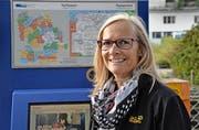 Umstieg gelungen: Job-Abo-Besitzerin Heidy Vetter an der Bushaltestelle des Luzerner Kantonsspitals.