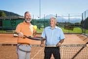 Peter Schärli (links) und Herbert Lustenberger bei der Sportanlage Risch in Ebikon. (Bild Philipp Schmidli)