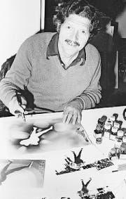 Walter F. Haettenschweiler in den 1970er-Jahren in seinem Atelier. (Bild: PD)