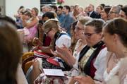 In den Kantonen Ob- und Nidwalden haben diesen Sommer 429 Jugendliche die obligatorische Schulzeit abgeschlossen. Im Bild: Die Maturafeier 2015 in Engelberg. (Bild: Roger Zbinden / Neue LZ)