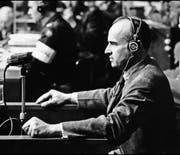 Hans Frank bei einer Anhörung im Nürnberger Prozess. Er wurde am 1. Oktober 1946 wegen Kriegsverbrechen und Verbrechen gegen die Menschlichkeit schuldig gesprochen und zum Tod durch den Strang verurteilt. (Bild: AFP)