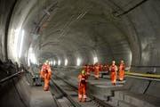 Führung im Gotthard-Basistunnel, hier bei der Multifunktionsstelle Faido. (Bild: Keystone / Urs Flüeler)