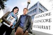 Jolanda Spiess-Hegglin und Andreas Lustenberger unterhielten sich am Dienstag in Baar zwei Stunden mit Glencore- Xstrata-CEO Ivan Glasenberg. (Bild: Stefan Kaiser / Neue ZZ)