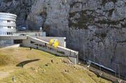 Symbolbild: Ein Gleitschirmpilot startet unterhalb der Aussichtsplattform Pilatus Kulm. (Bild: Neue OZ)