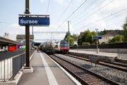 Im Bahnhof Sursee wurde ein Schalter umgebaut. (Bild: Manuela Jans / Neue LZ)