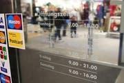 Die Luzerner Regierung lehnt die Initiative «für freie Ladenöffnungzeiten» ab. (Bild: Manuela Jans / Neue LZ)