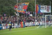 Die Basler Fans feiern. (Bild Maria Schmid)