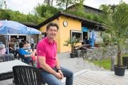 Bademeister Patrick Widmer (44) verzichtet diesen Sommer auf Kino-Abende in der Rotsee-Badi. (Bild Dominik Wunderli)