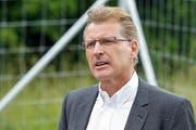 Heinz Tännler, Baudirektor, will die Hochspannungsleitungen im Boden. (Bild: Stefan Kaiser / Neue ZZ)