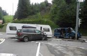 Beim Unfall wurden vier Personen leicht verletzt. (Bild: Kantonspolizei Schwyz (Einsiedeln, 14. Juli 2017))