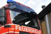 Die Feuerwehr musste wegen eines Heckenbrandes ausrücken. (Symbolbild) (Bild: Matthias Piazza / Neue NZ)