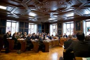 Der Landrat soll bald über eine Teilrevision des Gerichtsgesetzes bestimmen. Im Archivbild: Der Nidwaldner Landrat an einer Sitzung im Februar 2015. (Archivbild Neue LZ)