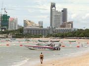 In der thailändischen Touristenhochburg Pattaya soll ein Schweizer jahrelang über 80 Buben sexuell missbraucht haben. Nun wird der Mann im Kanton Freiburg vor Gericht gestellt. (Bild: KEYSTONE/EPA/RUNGROJ YONGRIT)