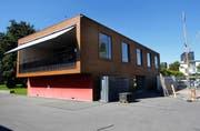 Beim Vereinshaus des Yacht Clubs Zug ist derzeit der Eingang der einzige Notausgang. (Bild Stefan Kaiser)