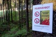 Der Kanton Luzern erlässt ein allgemeines Feuerverbot. (Symbolbild Keystone)