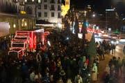 Der Weihnachtstruck macht erneut vor dem Hotel Schweizerhof in Luzern Halt. (Bild: PD)