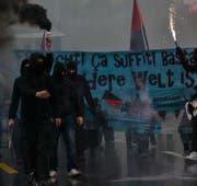 Zwei Demonstranten, die an der Demonstration im Jahr 2015 waren, wurden freigesprochen. Im Archivbild: Die Mai-Demo 2015 in Luzern. (Bild Thomas Heer)