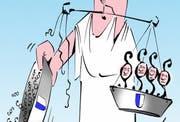 Justitias Wage soll künftig mit massiv weniger Friedensrichtern in der Balance gehalten werden. (Karikatur Jals/Neue LZ)
