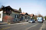 Diese baufälligen Häuser an der Bernstrasse sollen einer Grossüberbauung mit 135 Wohnungen weichen. (Bild Corinne Glanzmann)