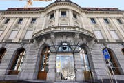 Wie die Zuger Hauptpost dereinst genutzt werden soll, ist laut der Schweizerischen Post weiterhin «in der Schwebe». Derzeit werde geprüft, wie das Gebäude nach dem Auszug der Poststelle genutzt werden könne. (Bild Werner Schelbert)