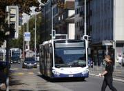 Chauffeure der Zuger Verkehrsbetriebe sind künftig nicht nur in der Stadt Zug (Bild), sondern auch in Zürich unterwegs. (Bild: Stefan Kaiser (Zug, 4. Oktober 2016))