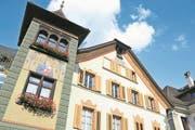 Im Zierihaus mitten in Altdorf, in dem das Land- und Obergericht untergebracht sind, haben früher bedeutende Urner Familien gewohnt. (Bild: Urs Hanhart (Altdorf, 23. Oktober 2015))