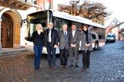 Freuen sich über die Zusammenarbeit (von links): Claudia Zgraggen, Thomas Aschwanden, Michael Roost, Georg Simmen und Tanja Indergand. (Bild Markus Zwyssig)