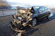 Viel Blechschaden am Mittwochmorgen auf der Autobahn A2. (Bild: Luzerner Polizei)