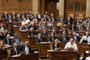 Vor allem unter den Zürcher Herren wird im rechten Parlamentsflügel spekuliert, gerangelt und gedrängt. Und der Zürcher Bankier Thomas Matter möchte unbedingt Platz nehmen. (Bild: Keystone)