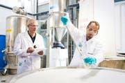 Die Chemie + Paper Holding AG schliesst Ende 2017 ihre Produktion in Uetikon und verschiebt sie nach China und Bosnien.Bild: PD