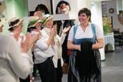 Die neue Steimuetter Carina Brüngger mit ihrem Gefolge. (Bild: Maria Schmid)