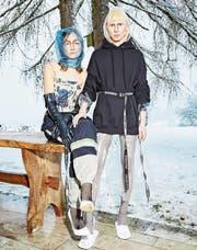 Noch Mode oder schon Kunst? Entwürfe des Schweizer Labels Collective Swallow. (Bild: Christian Schnur/PD)