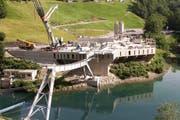Die künftige Talstation im Schlattli und die Brücke über die Muota sind schon zu erkennen. Dennoch ist der Bau der neuen Stoos-Bahn rund eineinhalb Jahre im Verzug. (Bild: PD / Eugen Gwerder)