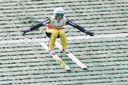 Simon Ammann fliegt auf Rang 31 und verpasst den Finaldurchgang. (Bild: Keystone / Urs Flüeler)
