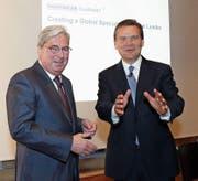Clariant-CEO Hariolf Kottmann (links) und Huntsman-CEO Peter R. Huntsman. (Bild: Siggi Bucher/Keystone (Zürich, 22. Mai 2017))