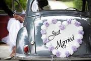 Wie lange das Eheglück anhält, liegt auch an der Herkunft der Eheleute. (Bild: Getty)