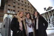 Von links: Elena von Wyttenbach, Jenny Russi und Shane Lutomirski ziehen beim neuen Musikfestival die Fäden. (Bild Urs Hanhart)