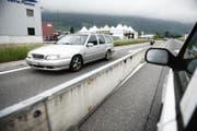 Autos auf der Autostrasse A8 bei Sarnen. (Archivbild: Corinne Glanzmann)