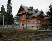 Das ehemalige Gärtnerhaus der Villa Villette präsentiert sich heute weitgehend im Originalzustand. (Bild: Stefan Kaiser (Zuger Zeitung))