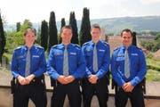Sybille Haverkamp, Daniel Gnos, Silvio Steiner und Werner Gnos (von links) haben vor wenigen Wochen die Interkantonale Polizeischule in Hitzkirch abgeschlossen. (Bild: Kapo Uri)