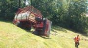 Die Unfallstelle in steilem Gelände in Morgarten. (Bild Zuger Polizei)
