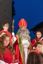 Der Samichlaus war dieser Tage auch bei der Hofkirche zu sehen. (Bild: Roger Grütter (Luzern, 3. Dezember 2017))