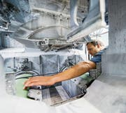 Auch der Energiesektor ist vom Fachkräftemangel betroffen. (Bild: Christian Beutler/Keystone)