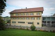 Das ehemalige Bürgerheim Mettmenegg wird zum Asylzentrum. (Bild: Remo Nägeli (Fischbach, 8. September 2011))