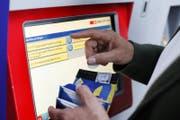 Wer im Kanton Zug ein Ticket löst, muss tiefer in die Tasche greifen. (Bild Stefan Kaiser)