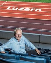 Max Plüss (69) im Leichtathletikstadion auf der Luzerner Allmend. (Bild: Nadia Schärli (5. Juli 2017))