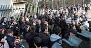Mit riesigem Sicherheitsaufgebot ging das iranische Regime gegen die Massenproteste der vergangenen zwei Wochen vor, wie hier in Teheran. (Bild: Keystone (30. Dezember 2017))